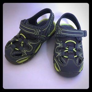 Boys Garanimal Sandal Sneaker Size 6 LIKE NEW